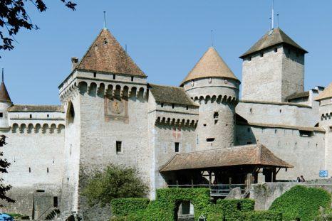 À la Révolution vaudoise en 1798, les Bernois quittèrent le château de Chillon qui devint propriété de l'État de Vaud.
