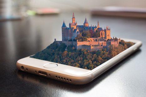 De plus en plus d'institutions culturelles françaises optent pour la réalité virtuelle pour attirer les visiteurs.