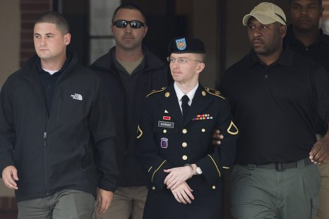 Chelsea Manning au moment de son procès en 2013. L'ancienne analyste militaire avait été condamnée à une peine de 35 ans de prison pour avoir transmis des documents classés «secret-défense» en 2010 à WikiLeaks. Elle a été libérée en 2017.